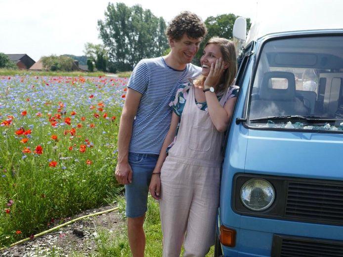 De geliefde camper van Daan en Jorien uit Lochem werd tijdens hun huwelijksreis in Italië gestolen.