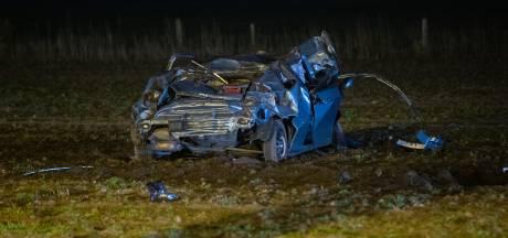 Dollemansrit eindigt in weiland in Epse: man belt niet 112 voor zwaargewonde vriendin (16), maar appt zijn ouders