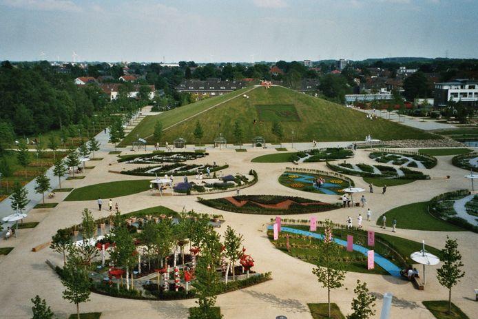 Archiefbeeld van de Landesgartenschau van Gronau en Losser in 2003, op het Laga-terrein aan de Lenne-Straße 6.
