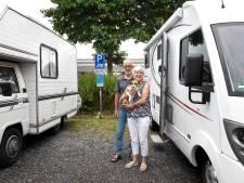 Overlast, afval, parkeerdruk: Woerden wil af van gratis camperplekken, maar is er wel echt een probleem?