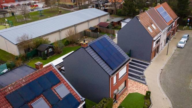 """Vlaams Belang: """"Geef eigenaars van zonnepanelen gegarandeerde vergoeding voor teruglevering stroom"""""""
