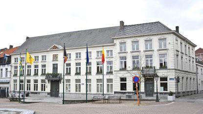 Zakken pampers en restafvalzakken  per stuk te koop in stadhuis