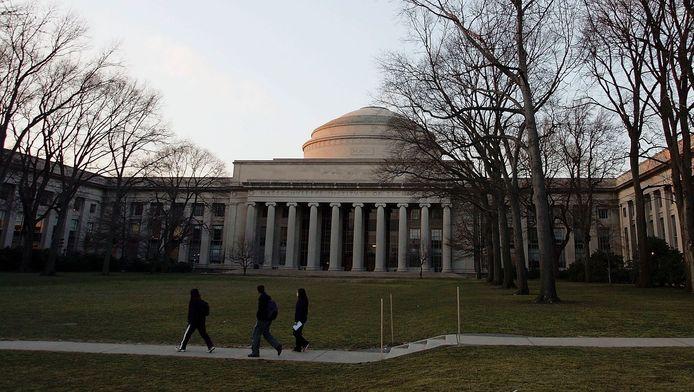 Een gebouw op de campus van MIT.
