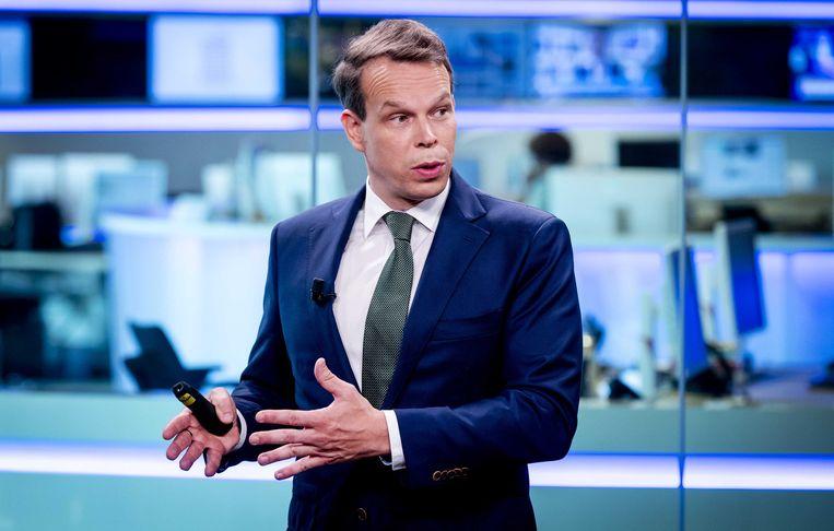 CBS-hoofdeconoom Peter Hein van Mulligen tijdens een presentatie van de CBS-cijfers.  Beeld ANP