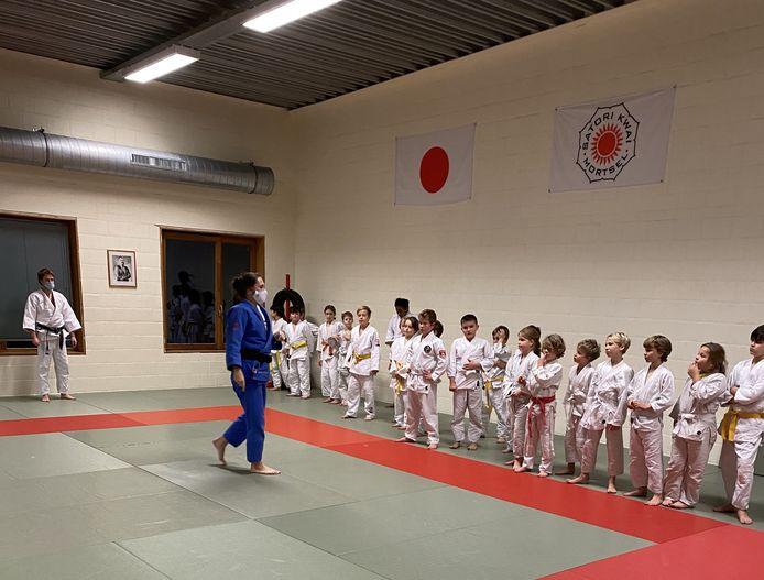 Roxane Taeymans, kandidate voor de Olympische Spelen in Tokio, is bij Satori Kwai Mortsel één van de jeugdtrainers.
