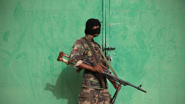 2013: Een Malinese strijder die het opneemt tegen een lokale tak van Al-Qaida. Beeld epa