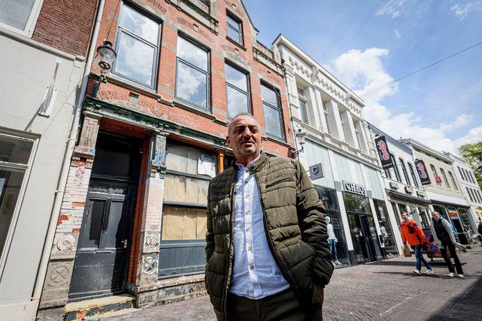 Eigenaar Nico Yagci en de gemeente Enschede worstelen al jaren met het horecapand aan de Marktstraat 6.