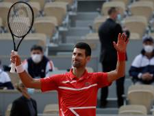 Novak Djokovic rejoint le troisième tour sans faire de détail
