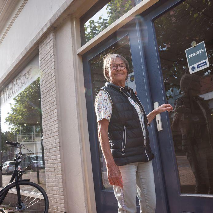 Loes Melissen van de gelijknamige meubelzaak in Zevenbergen sluit na bijna anderhalve eeuw voor de laatste keer de deur.