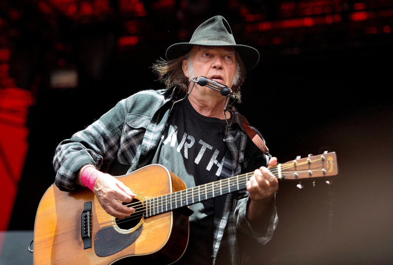 Neil Young drie jaar geleden op het Roskilde Festival in Denemarken.