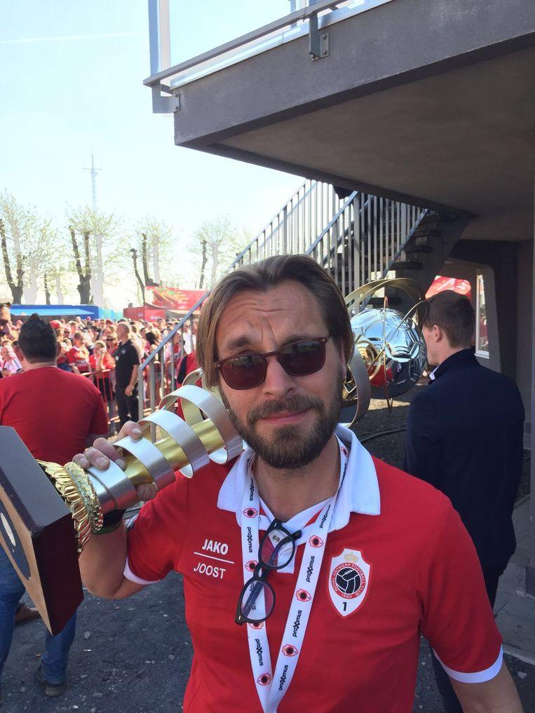 Joost Houtman is Antwerpsupporter en sporadisch veldomroeper.