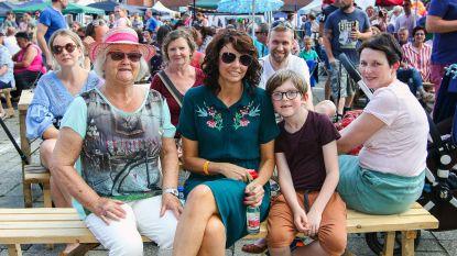 Dorpsfestival 'Hiejel Berrechoem Boate' brengt zomer naar kerkplein van Bergom