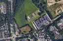 De Castiliëlaan in Eindhoven met hier nog het voormalige asiezoekerscentrum de Orangerie dat inmiddels is afgebroken. Hier komen zo'n 700 tijdelijke woningen.