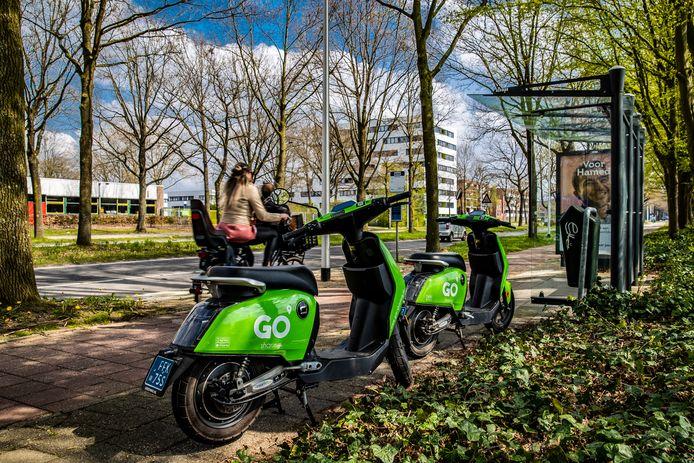 Er rijden honderd deelscooters van Go Sharing rond in Deventer.