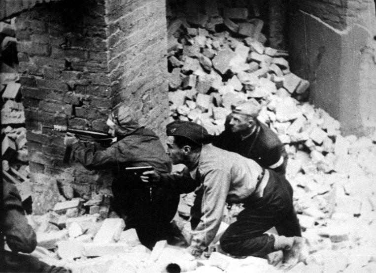 De opstand van Warschau kostte het leven aan 200.000 mensen. Beeld AFP