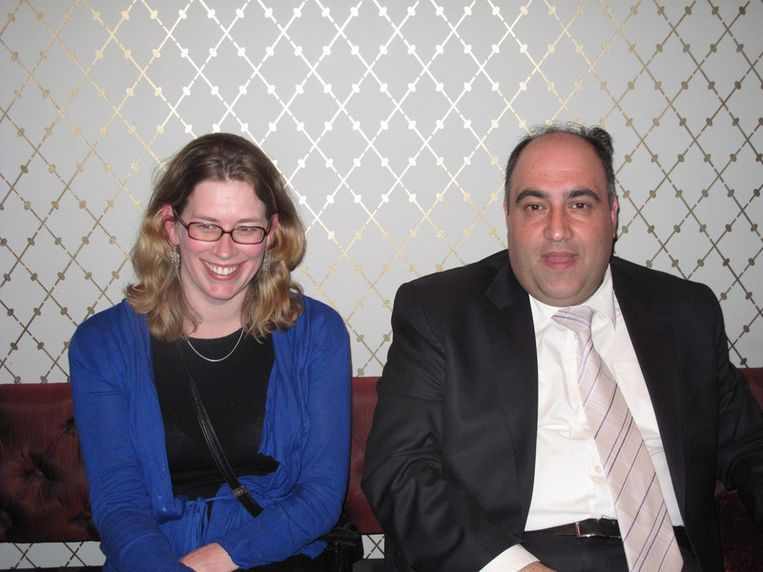 Zwijgzame handlangers Karin van de Wansem en Adnan Tekin - leden van het kabinet van de burgemeester. Beeld null