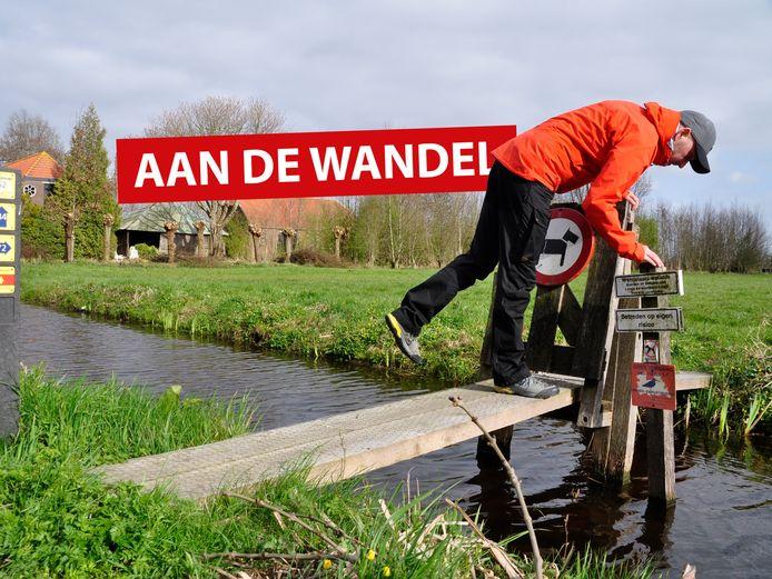 Bruggen, banken en bordjes zijn verdacht op deze route, want daar kan een 'schat' verstopt liggen.