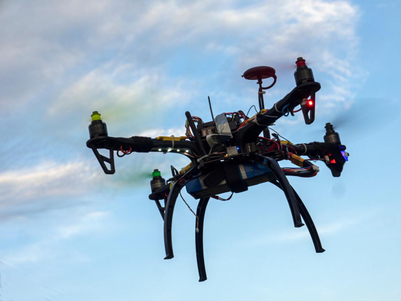 De drones moeten de kuststrook van De Panne tot Nieuwpoort helpen bewaken. Beeld Shutterstock
