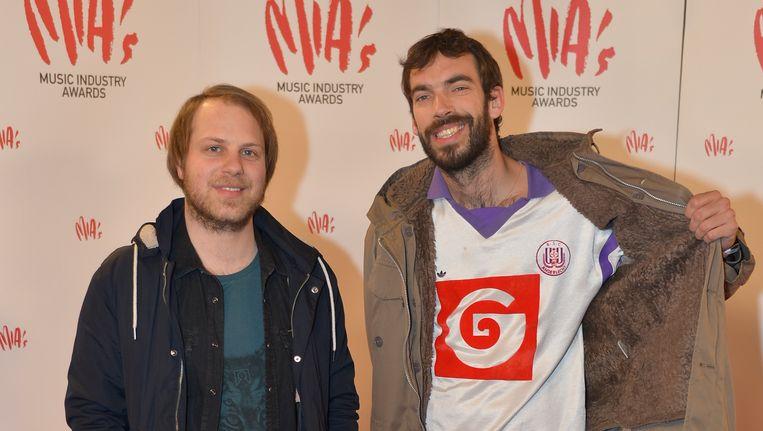 Dries van Dijck en Jan Paternoster (rechts), in januari op de uitreiking van de MIA's. Beeld Joel Hoylaerts/Photonews