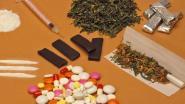 Ongeduldige heroïneafnemers bellen drugsrunner op tijdens arrestatie