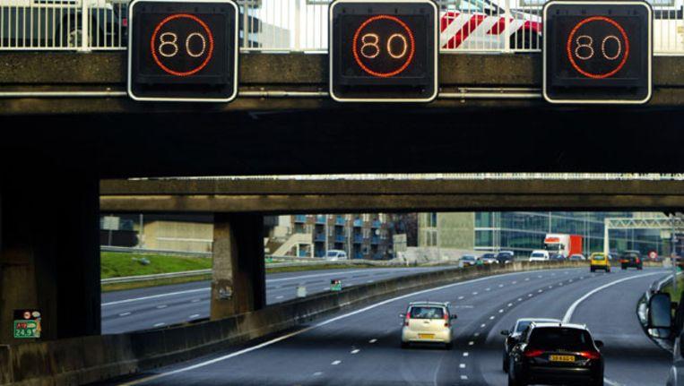 80-kilometerzone op de A10 bij Amsterdam. Beeld null