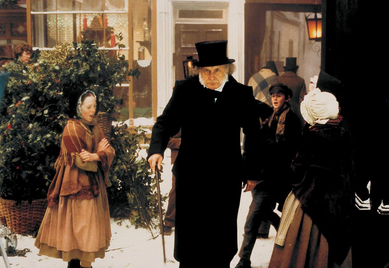 'Nadat ik haar de moord op Nancy uit 'Oliver Twist' had voorgelezen, kon mijn vrouw drie dagen niet slapen. Toen wist ik: dit zit goed.' Beeld EBENEZER SCROOGE IN 'A CHRISTMAS CAROL' VAN CHARLES DICKENS