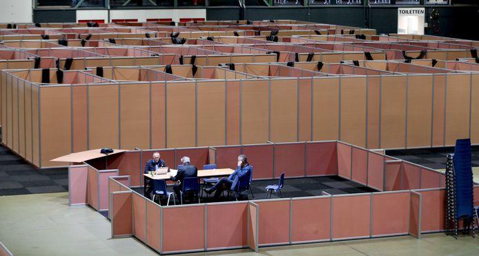 Onder andere in Leeuwarden heeft het COA tijdelijke opvang gemaakt om de instroom van asielzoekers onderdak te bieden.