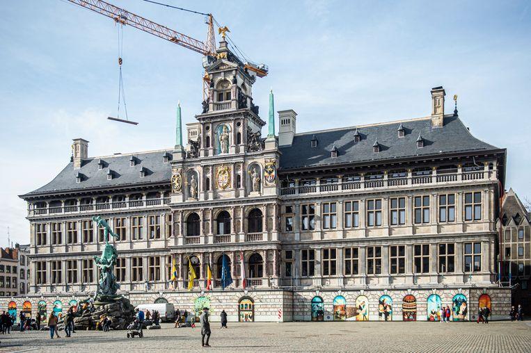 Het stadhuis van Antwerpen. In de opleiding leren ambtenaren 'wat integriteit betekent, waarom integriteit belangrijk is voor een overheid en hoe stad Antwerpen jouw integriteit ondersteunt'. Beeld Klaas De Scheirder