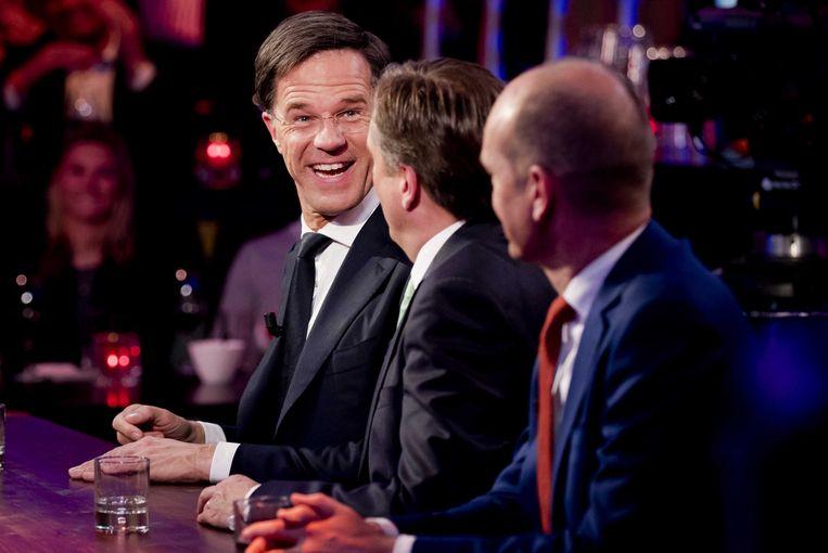 Mark Rutte samen met Alexander Pechtold (D66) en Gert-Jan Segers (ChristenUnie)voor een uitzending van Nieuwsuur.