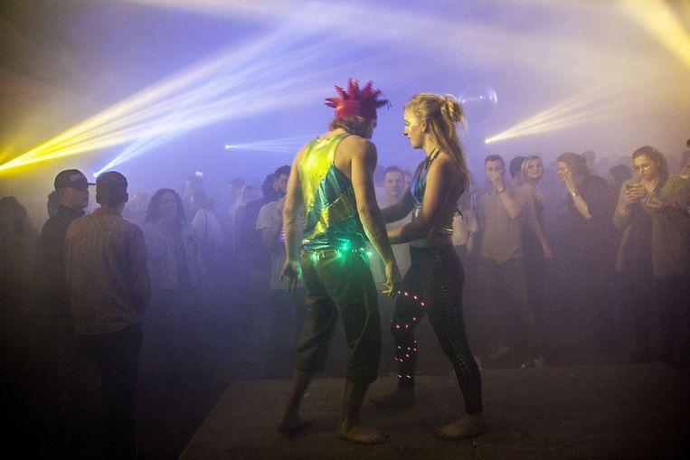 De festivalzomer is nog een eind weg, maar met een warme circustent wist Thuishaven het gevoel al sterk te benaderen. Beeld Amaury Miller