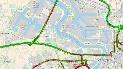 Tijsmanstunnel opnieuw vrij na ongeval met vier vrachtwagens, maar het blijft filerijden
