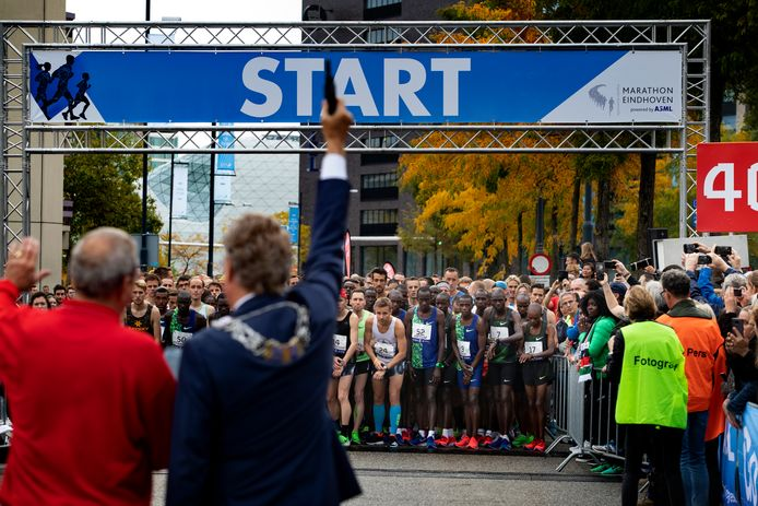 De start van de marathon in Eindhoven vorig jaar.