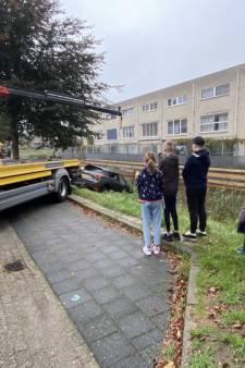 Jochie bedenkt zich geen moment als hij buurman water in ziet rijden: 'Écht een heldendaad verricht'