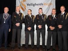 Vijf Hulster brandweerkanjers onderscheiden