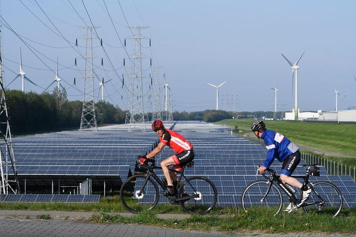 Waddinxveen wil bedrijven kunnen dwingen zonnepanelen op hun daken te leggen.