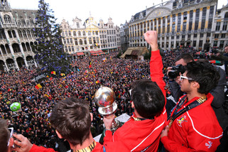 fotoreeks over Red Lions als helden onthaald in Brussel