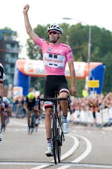 Tom Dumoulin in het roze de snelste in Tiel
