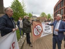 Demonstratie tegen hoge windmolens in Rijssen-Holten: 'Die krengen vervuilen het landschap'