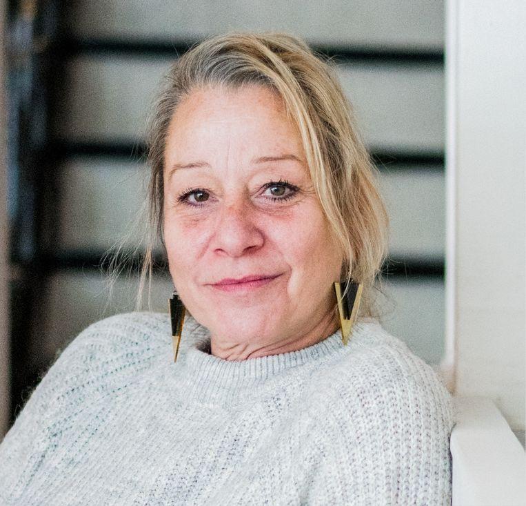 Patsy Van Rompaey: 'Over sommige klanten maak ik me grote zorgen. De maatschappelijke functie van volkskroegen zoals de mijne wordt zwaar onderschat.' Beeld Wouter Van Vaerenbergh