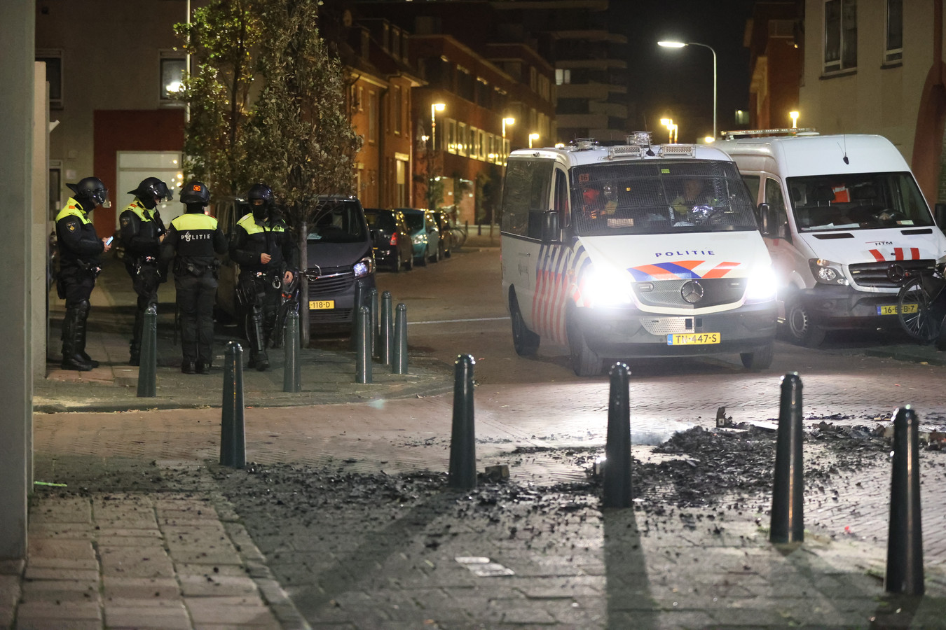 In Duindorp werd gisteren vuurwerk afgestoken en verschillende brandjes gesticht.