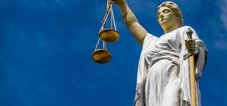 Voorwaardelijke ontzegging geëist tegen beroepschauffeur die onder invloed ongeluk in Volkel veroorzaakte
