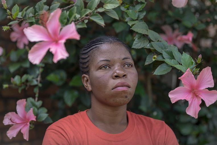 Esperance Ruhune (18) verblijft ook in een opvanghuis van de Panzi Foundation van Dr. Denis Mukwege in Bukavu.  Beeld Sven Torfinn / de Volkskrant