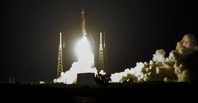 De lancering van een SpaceX Falcon 9-raket. Het Amerikaanse bedrijf zoekt 542 nieuwe medewerkers voor 42 afdelingen.