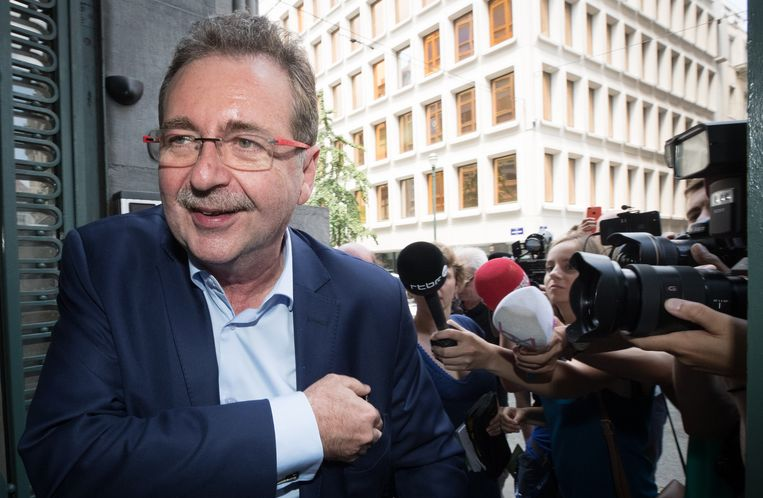 Rudi Vervoort (PS) volgt naar alle waarschijnlijkheid zichzelf op aan het hoofd van de Brusselse regering. Beeld BELGA