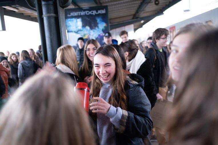 MECHELEN Jongeren stappen op de trein om naar de klimaatbetoging te gaan.