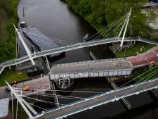 Weghalen aangevaren brugdeel Groningen vordert gestaag