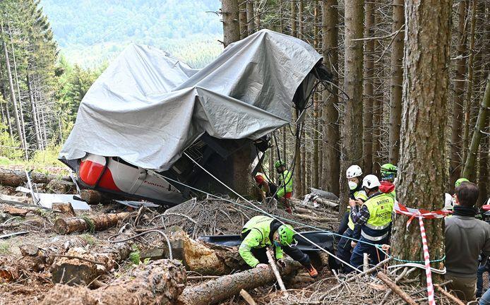 Waarschijnlijk stortte de cabine neer, omdat de noodrem was gedeactiveerd.