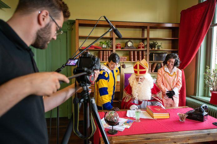 Voor Alex Janssen en Roberto Jansen gaat met de opname van hun Sinterklaas een droom in vervulling.
