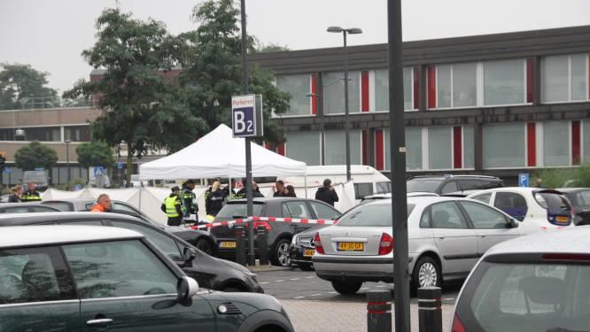 Dode gevonden op parkeerplaats ziekenhuis in Almelo