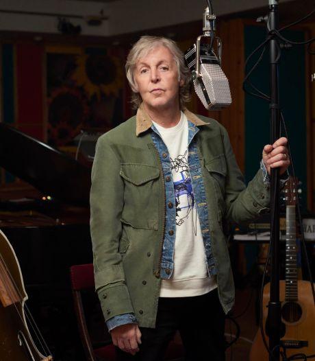 Paul McCartney sort un nouvel album et encourage la vaccination anti-Covid